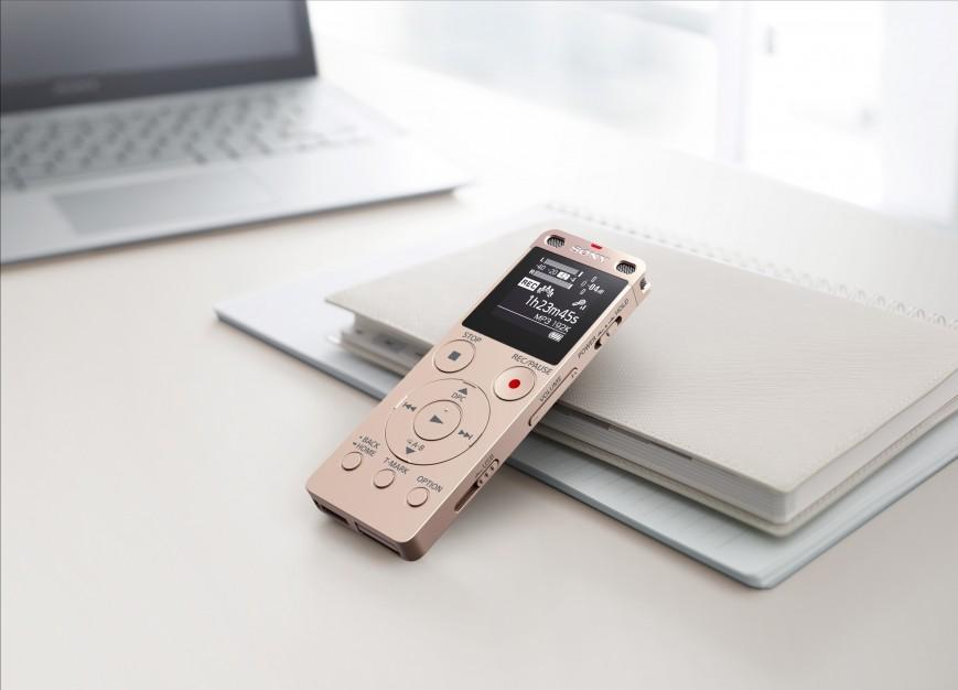 Sony выпустила стильный диктофон ICD-UX560